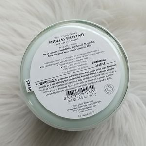 Bath & Body Works Accents - Bath & Body Works Candle - Endless Weekend